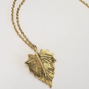 Unique Vintage Gold tone Leaf necklace